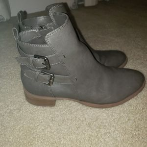 Women's Old Navy Faux Leather Booties 9